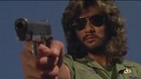 大毒枭要枪毙星爷,星爷一句话,立马成为座上宾。
