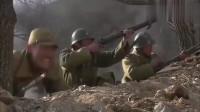 部队准备撤退了,怎料男兵拿着机枪一人冲锋,被飞机炸死
