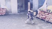 春节回家过年,偶遇小外甥,耍起了双节棍,也不知道谁教的?