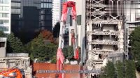 日本发明巨型拆楼机,全部伸展65米高,20层的楼轻松拆掉