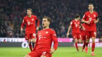 德甲-莱万、格雷茨卡传射 拜仁5-0沙尔克距榜首仅一分