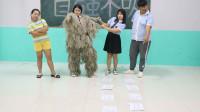 学霸王小九:学生挑战手脚并用游戏,成功者赢得吉利服,美女学霸一口气完成!