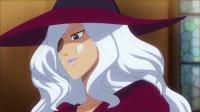 黑女巫的经典入场方式,这满脸的玻璃碴子,看着都疼!