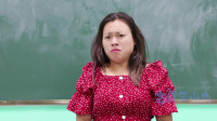 学霸王小九短剧:老师让同学模仿面筋哥唱歌,没想女同学把老师给唱跑了!太逗了
