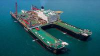 引用50项航母技术!全球首艘百万吨巨舰下水,吨位超航母20倍