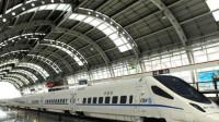 中国高铁又一创新,未来高铁到站无须停车,乘客上下车方式出乎意料!