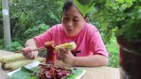 陈说美食:两斤的五花肉+甜玉米,第一次这么吃,柔软多汁!