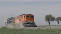 火车高速撞汽车有多惨?老外亲测,慢镜头下看了感觉有点太恐怖!