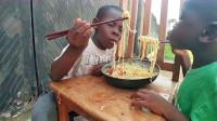 中国随处可见的商品,却被非洲人用来炫富,网友:理解不了!