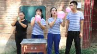 童年:如花老师教同学们用气球做扇子,没想气球还能这么玩,太有意思了