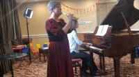 匈牙利文化中心的Yangka老师竖笛演奏匈牙利民间音乐 Nora老师钢琴伴奏