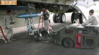 B-52轰炸机弹药装填
