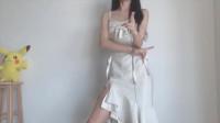睡衣小姐姐变身,换装丝绸连衣裙,仙气满满!
