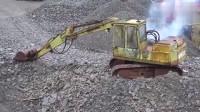 服了,这么破的挖掘机还不退休吗?还能启动