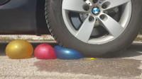 牛人把灌水气球放在车轮下面,真的好减压啊,真过瘾!