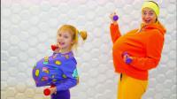 儿童亲子游戏:大肚子小女孩与妈妈锻炼身体减肥!