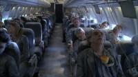 """机长重大失误,200多名乘客冻成""""冰人"""",他却没事?"""