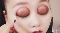 化个妆偷偷去约会,画这么粗的眼线,老公都楞了