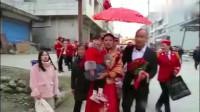 结婚-湖南45岁光棍娶个二婚嫂,新娘带一闺女,喜宴上新娘收了好多钱