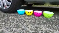 牛人使用小汽车挤出彩色颜料,场面相当的有意思
