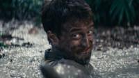小伙被困丛林21天,不慎掉入沼泽中,最后竟靠蚂蚁走了出来!