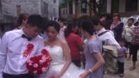 广东一姑娘正出嫁,一个漂亮,一个帅气,天生一对