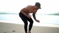 Michael Vazquez - 没健身房也没问题 - 自重训练随地都可以做