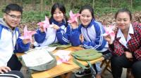 田田的童年: 如花老师教田田和伙伴折风车,彩色的风车转动快乐的气息,真美好