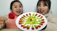 """闺蜜恶作剧:娇花开在筷子上?还是""""玫瑰花软糖""""更实在,真好笑"""