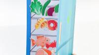 用纸做的冰柜立体书,内含很多美食的冰箱玩具