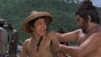 老电影,李逵不通水性敢在河边闹事,被拖进水里差点淹死!