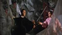 老电影,龙啸云用磁铁破解小李飞刀,不料他用的是冰凌,惨被封喉