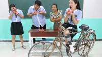 学霸王小九:挑战吃西瓜吐籽比赛,赢得奖大杠自行车,没想被女同学一口气吃完