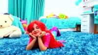 小美人鱼仿妆,配上红色的假发,真是又美有可爱!