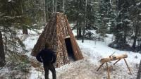 野外生存,丛林搭建实木庇护所,以后刮风下雪都不怕了