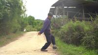 搞笑福利:农村小伙路上偶遇美女,心花怒放,最后却上了好兄弟的车-www.nbitc.com,慧之家