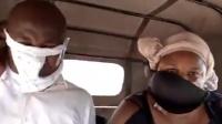 女子忘戴口罩坐车遭司机拒载 竟脱下内衣戴脸上