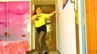 彩苒广场舞【心在路上】原创网红优美三步形体舞附背面
