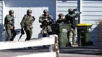 美国警察办案,为什么白人很少遭击毙他们知道什么时候该投降!