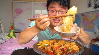 魔鬼椒做火锅,大sao大热天挑战极限,一盆红油三斤牛肚吃过瘾