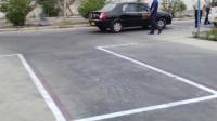 实用的倒车入库小技巧,掌握好这4个步骤,新手也能轻松停车