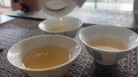 快来看看凤凰蜜兰香茶的汤色,清油脂效果杠杠的!