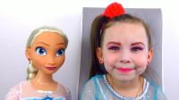妈妈帮女儿美妆:化妆打扮成的艾莎女王你觉得可爱吗?