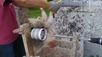 牛人发明:用电钻做成的脱鸡毛器,比手工快太多,电钻表示很骄傲!