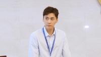 李易峰探访最高检送儿童节祝福 穿衬衫似上班族阳光帅气