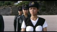 霸王花怕防弹衣影响身材,自己特意改装了一下,不料教官气坏了