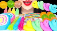 一桌子色彩缤纷的创意甜点,各种美味糖果爽翻味蕾,视觉和味觉的双重享受
