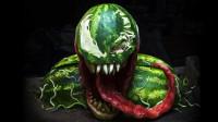 """外国小伙突发奇想,把西瓜雕刻成""""毒液""""模样,成品实在太炫酷!"""