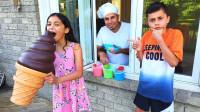 太棒了,萌娃小萝莉怎么有超大的冰淇淋?可是怎么被小正太拿走?儿童亲子益智趣味游戏玩具故事