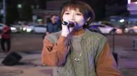 音乐,香港街头演唱一首浪漫歌曲送给大家,走过路过不要错过《情感巴士站》